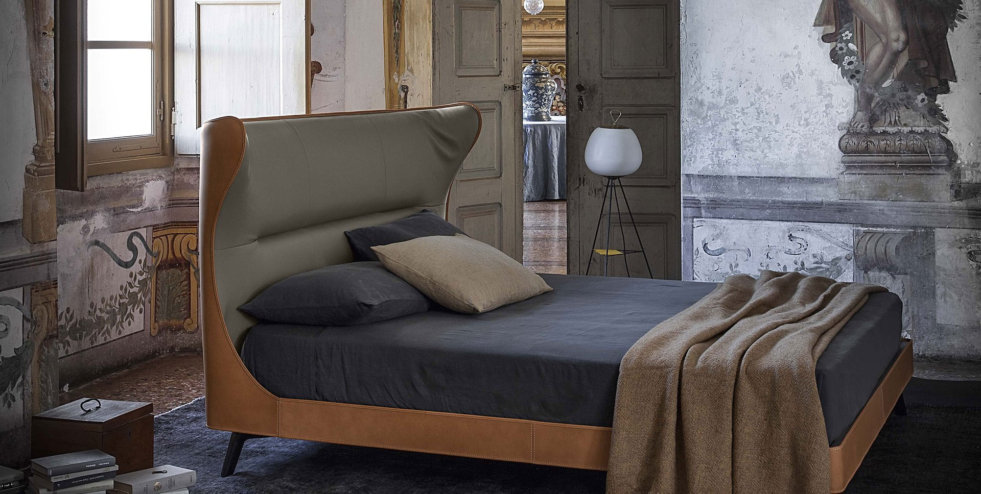 letto Mamy Blue Bed di Poltrona Frau