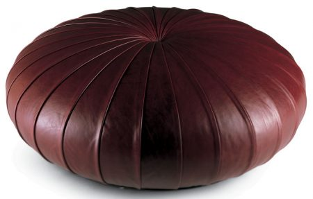 Esedra-poltrona-frau-pouf-rotondo-round-footrest-pelle-sc-leather-nest-heritage-soul-century-design-monica-forster-1