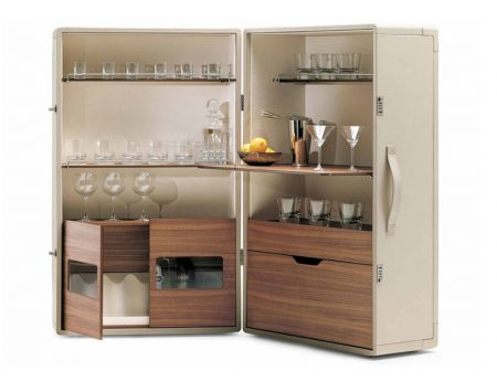 Isidoro-poltrona-frau-mobile-bar-drinks-cabinet-cuoio-saddle-leather-noce-canaletto-walnut-jean-marie-massaud-3