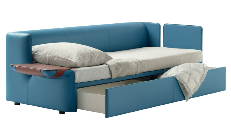 Sofa bed naidei by poltrona frau cattelan arredamenti for Poltrona letto pelle