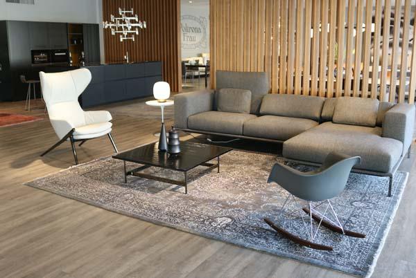Showroom Cattelan Arredamenti divano ingresso