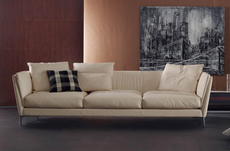 Poltrona e divano bretagne di poltrona frau cattelan arredamenti for Divano letto poltrona frau