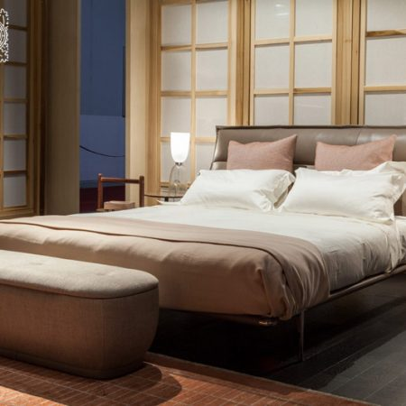 letto-mr-moonlight-poltrona-frau-bed-matrimoniale -pelle-sc-leather-nest-design-moderno-ludovica-roberto-palomba-alluminio-aluminium-ruthenium (4)