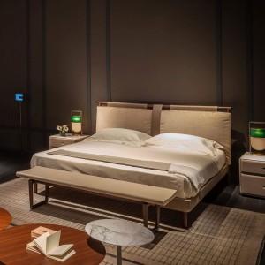 letto-times-poltrona-frau-bed-matrimoniale-pelle-sc-leather-nest-tessuto-fabric-legno-frassino-tinto-moka-ash-stain-design-moderno-original (4)